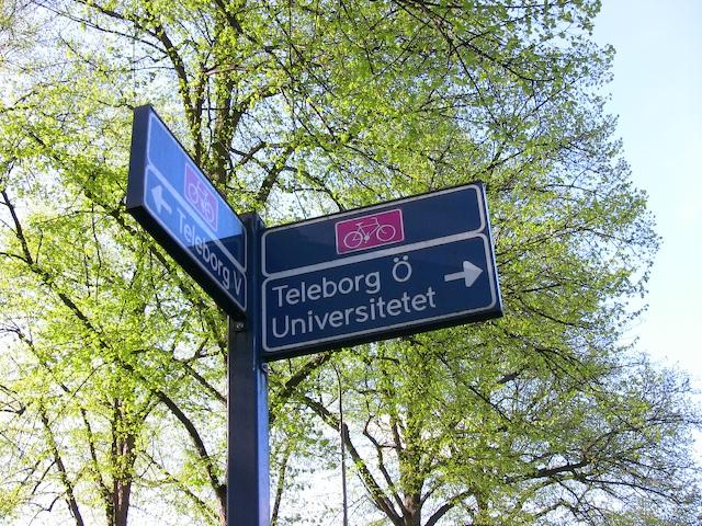 vaxjo-bike-signpost.jpg